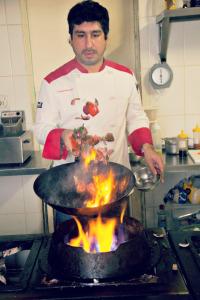 O chef Christian Báscones, que veio ao Brasil para um campeonato de muay-thai e acabou ficando (foto: divulgação)