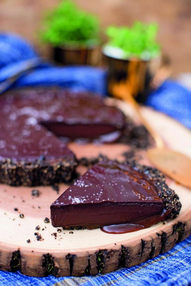 Torta de chocolate com caramelo salgado de Danielle Noce