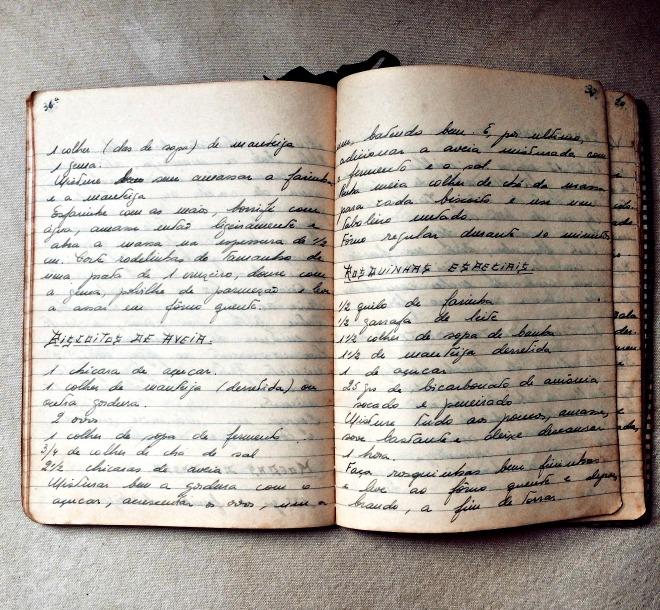 Receita de biscoito de aveia em caderno de receitas