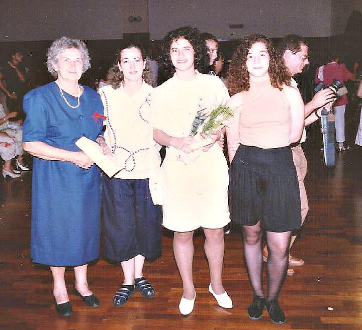 A avó Argonne, a mãe, Sueli, Lizandra e a irmã, Liliana, agora mãe de Isabel