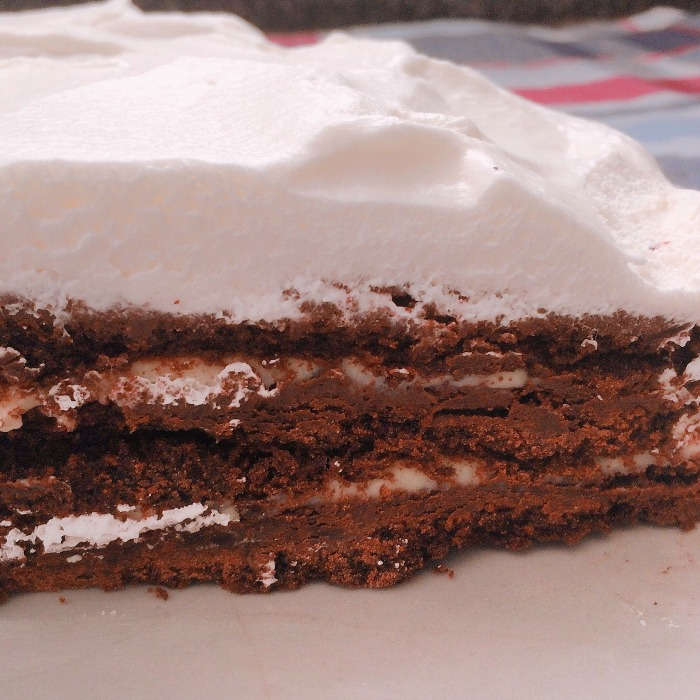 Torta de chocolate com chantilly de cachaça