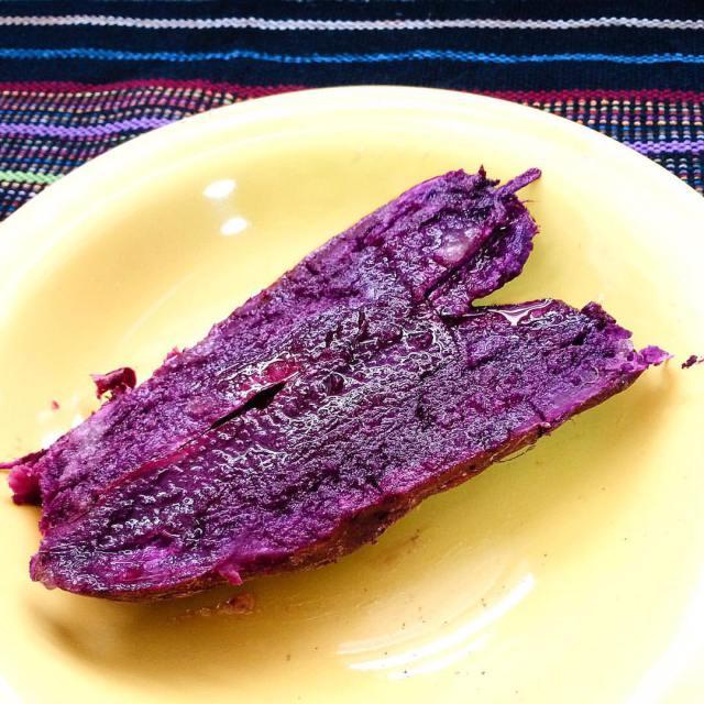 Batata-doce roxa com mel (Foto: O Caderno de Receitas)