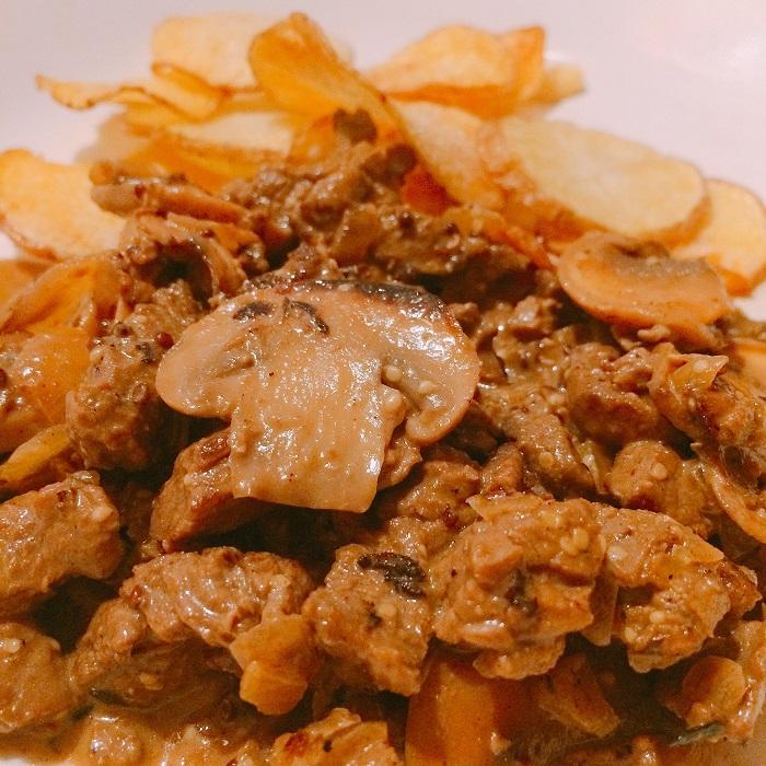 Estrogonofe com fritas (Foto: O Caderno de Receitas)