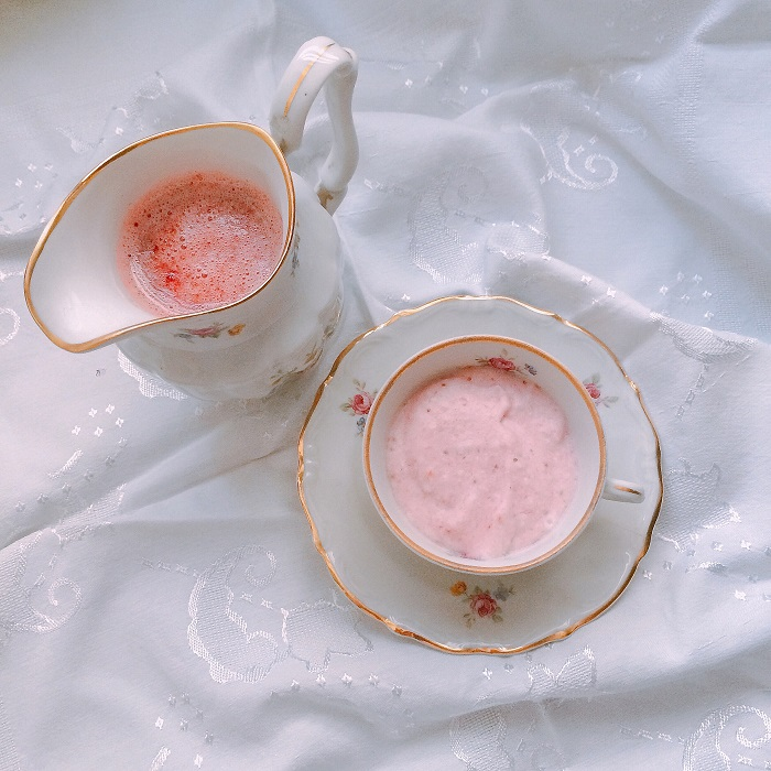 Mousse e calda de morango (foto: O Caderno de Receitas)