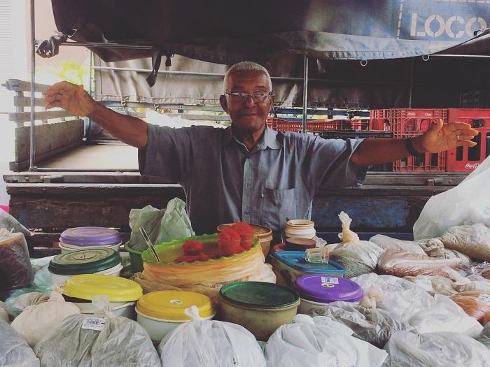 O vendedor de temperos Lourival Batista (foto: O Caderno de Receitas)